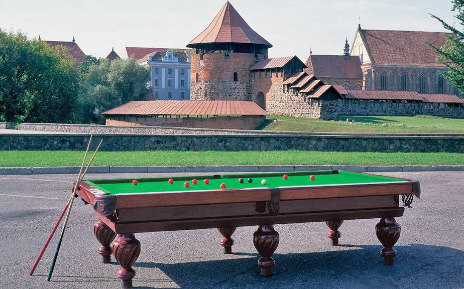 Billiard table Konsulas